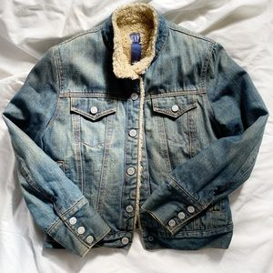 Gap Sherpa Lined Denim Trucker Jacket Small